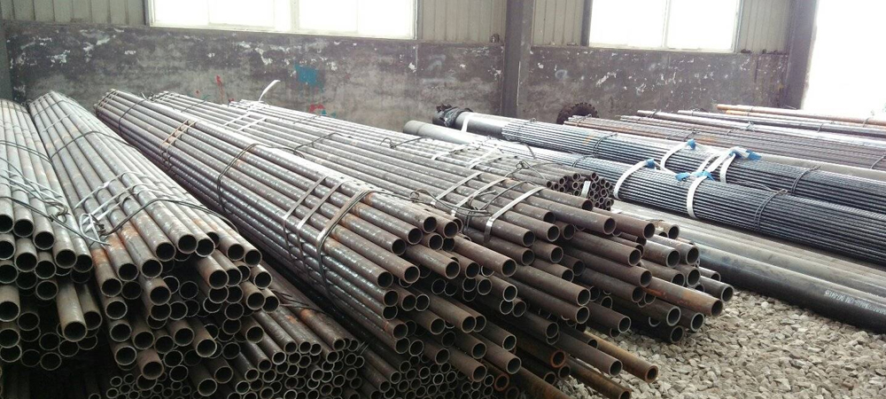 Manufacturers & Suppliers of Alloy steel P11 Pipes, UNS
